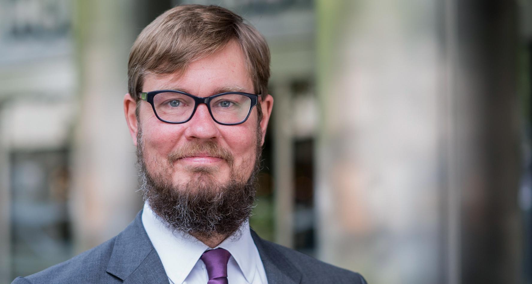 Portrait Dr. Sebastian Lovens-Cronemeyer
